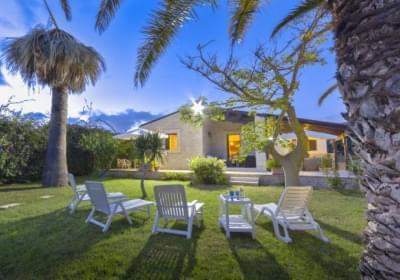 Casa Vacanze Barbara Elegante Villa A 20 M Dal Mare